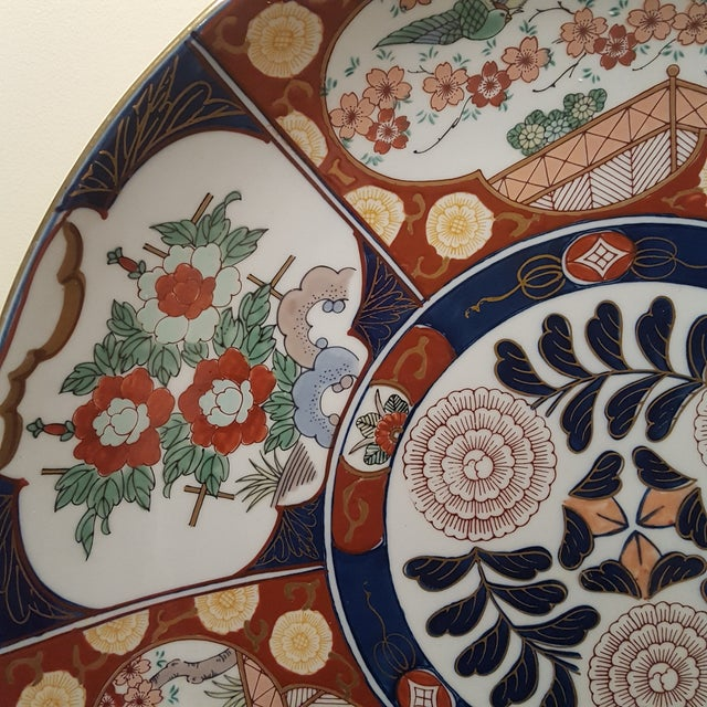 1960s Vintage Imari Porcelain Charger on Bamboo Stand For Sale - Image 5 of 8