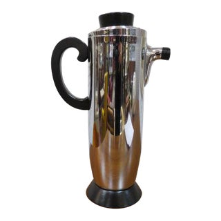 Vintage 1960s Mid-Century Modern Chrome and Black Cocktail Shaker For Sale