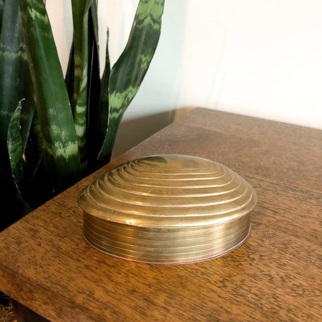 Vintage brass shell trinket box.