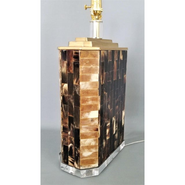 Karl Springer Vintage Tessellated Horn and Lucite Brass Table Lamp For Sale - Image 10 of 13