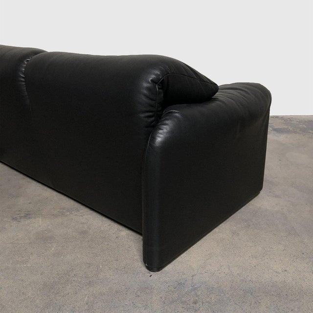 Black 675 Maralunga Two Seat Sofa & Ottoman For Sale - Image 8 of 13