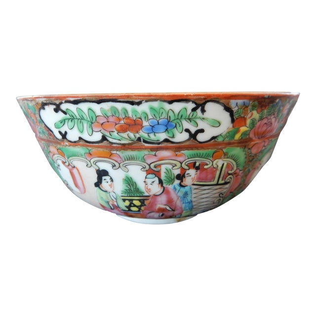 Antique Chinese Export Porcelain Rose Medallion Bowl For Sale