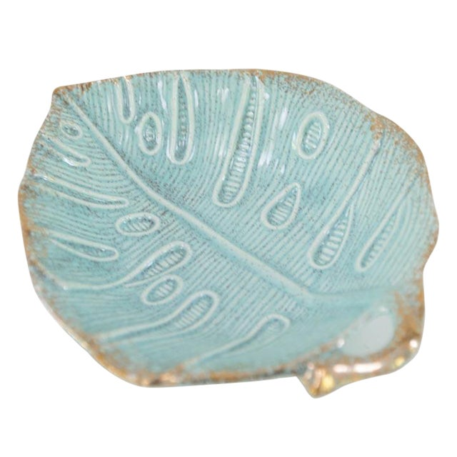 Vintage Usa Pottery Turquoise Monstera Leaf Dish For Sale