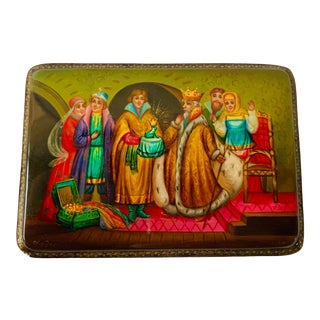 Vintage Russian Hand-Painted Lacquered Small Wooden Box Signed Fedoskino For Sale