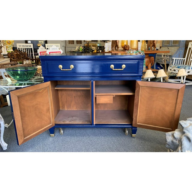 20th Century Hollywood Regency Navy Blue Lacquered Bar Cabinet For Sale In West Palm - Image 6 of 13