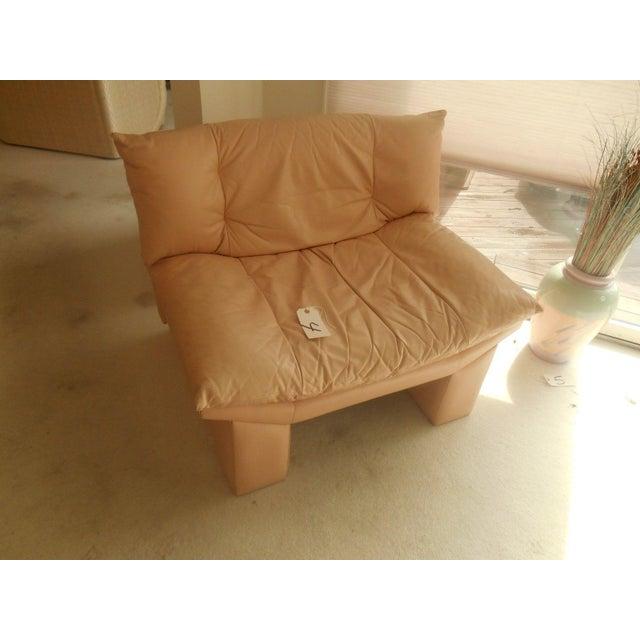 Oriental Gondola Style Salmon Leather Chair - Image 4 of 4