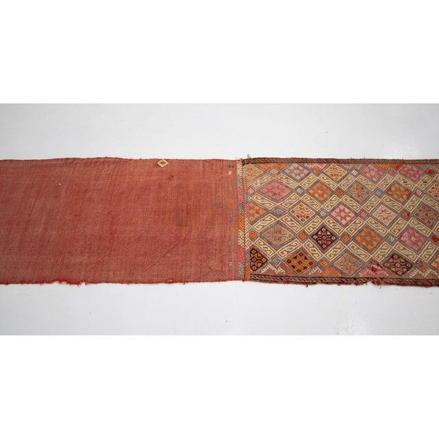 Mid-Century Modern 1960s Vintage Embroidered Decorative Kilim Rug- 1′11″ × 7′6″ For Sale - Image 3 of 7