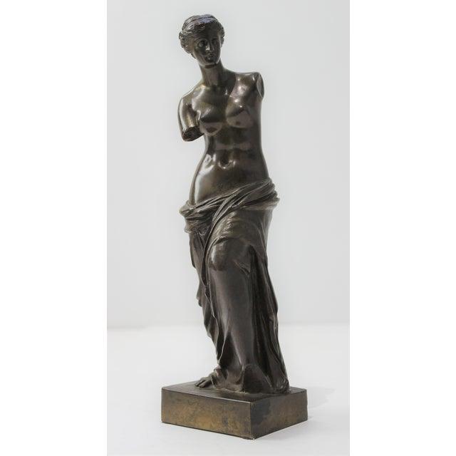 Brown Antique Grand Tour Venus De Milo Bronze Figure For Sale - Image 8 of 13