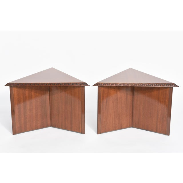 "Modern Pair of American Modern Triangular ""Talesin"" Low Tables, Frank Lloyd Wright For Sale - Image 3 of 9"