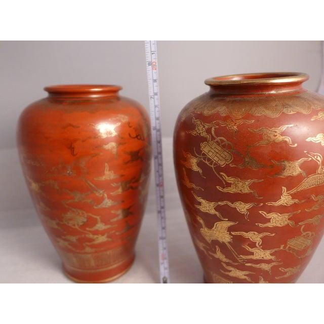 Japanese Kutani Eiraku Red Gold Kinrande Porcelain Vases - aPair For Sale - Image 5 of 9