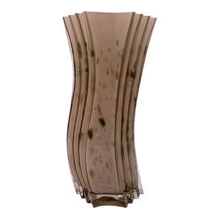 Art Deco Tall Olive Fluted Wavy Shaped Body Speckles & Spots Art Glass Vase For Sale