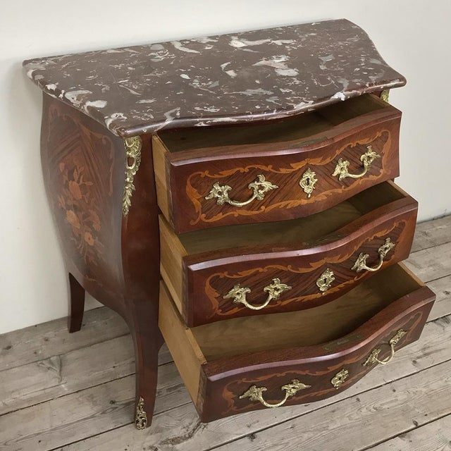 French Antique French Louis XV Bombe Marquetry Marble Top Commode For Sale - Image 3 of 13
