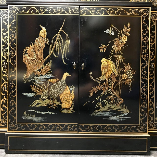 DREXEL HERITAGE Et Cetera Asian Chinoiserie Breakfront China Cabinet For Sale - Image 10 of 11