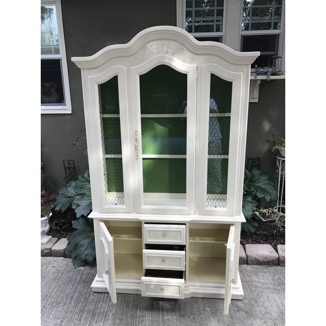 Vintage Stanley French Style China Cabinet - Image 7 of 7