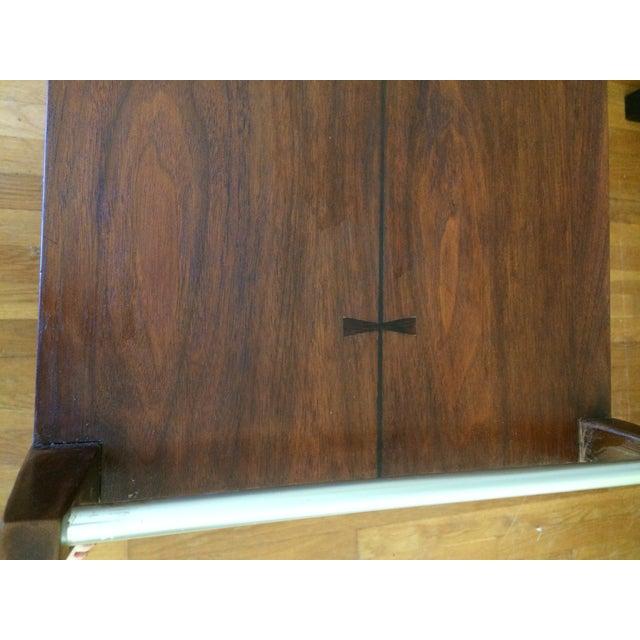 Wood Mid-Century Modern American Lane Altavista Bowtie Bar Cart For Sale - Image 7 of 10