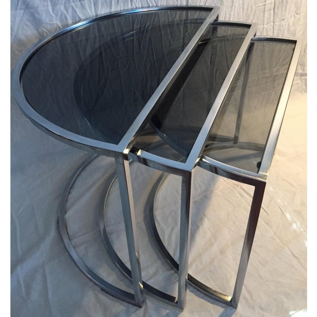 Late 20th Century Italian Chrome & Smoke Glass Nesting Tables - Set of 3 For Sale In San Francisco - Image 6 of 12