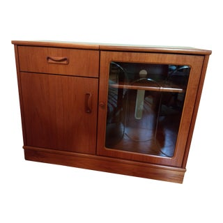Vintage G Plan Danish Modern Style Audio Component Cabinet For Sale