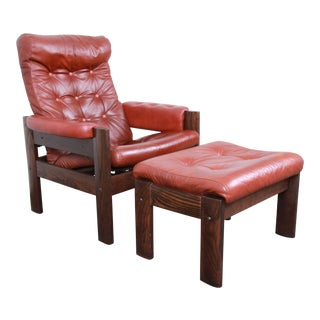Ekornes Stressless Scandinavian Modern Leather and Oak Lounge Chair and Ottoman - a Pair For Sale