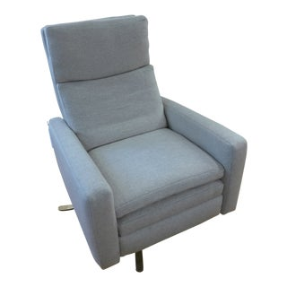 Modern Lee Industries Relaxor Swivel Chair - Mohair For Sale