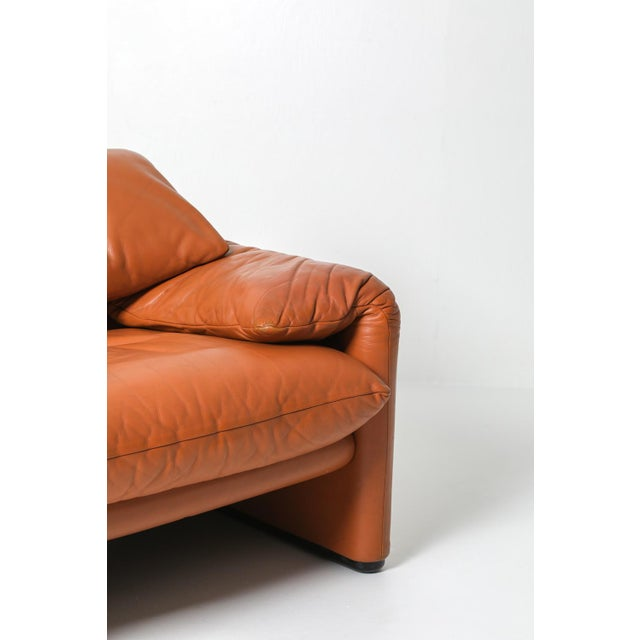 1970s Maralunga Cognac Leather Club Chairs by Vico Magistretti for Cassina - a Pair For Sale - Image 10 of 11