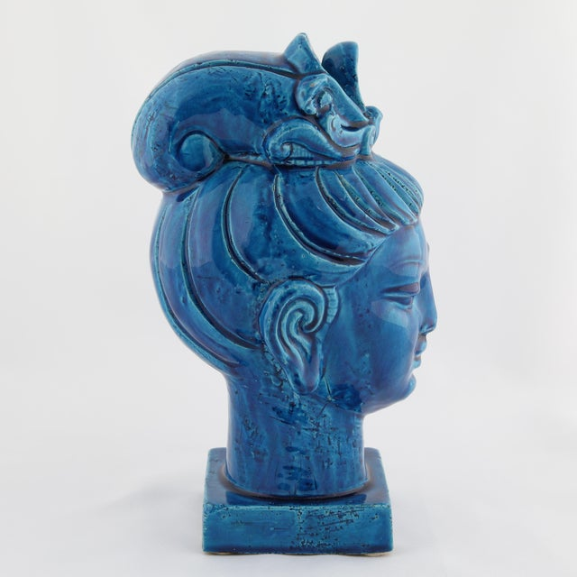 "1960s ""Rimini Blu"" ceramic Guan Yin bust by Aldo Londi for Bitossi, circa 1960s For Sale - Image 5 of 13"
