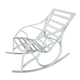 1980s Walter Lamb Style Mallin White Aluminum Outdoor Rocking Chair For Sale