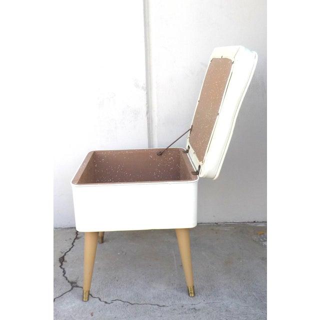 Mid-Century Modern White Leatherette Storage Stool - Image 6 of 7