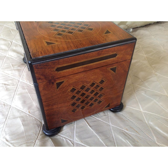 19th Century English Traditional Walnut Tea Chest For Sale - Image 4 of 5
