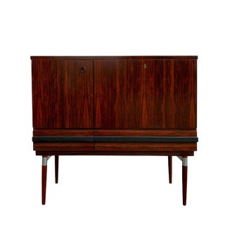 Mid Century Modern Rosewood Bar Cabinet For Sale