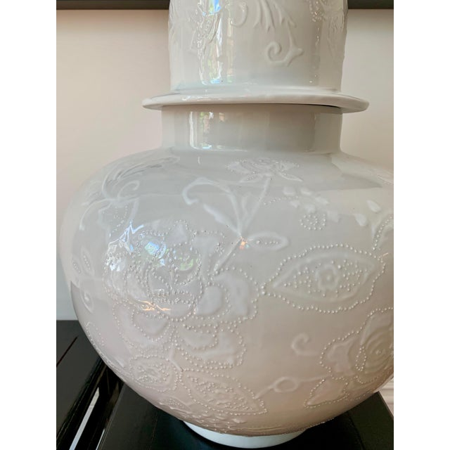 Asian Chinoiserie Large White Ginger Jar For Sale - Image 3 of 5