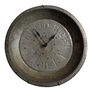 Vintage Repurposed Mello-Rich Pie Tin As Wall Clock For Sale