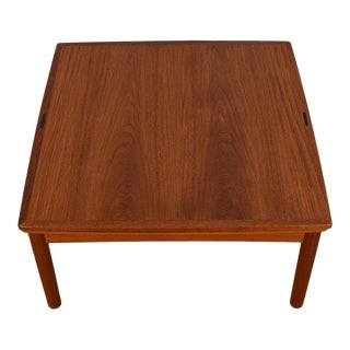 Danish Modern Expanding Coffee Table in Teak With Reversible Top For Sale