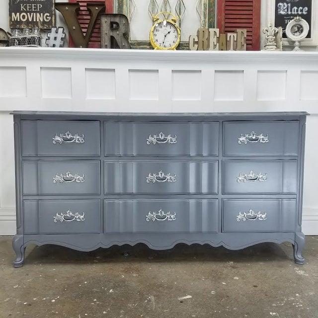 Steel Wool & Platinum French Provincial Dresser - Image 2 of 5