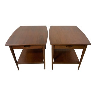 Henredon Danish Modern Style Walnut Nightstands-A Pair For Sale