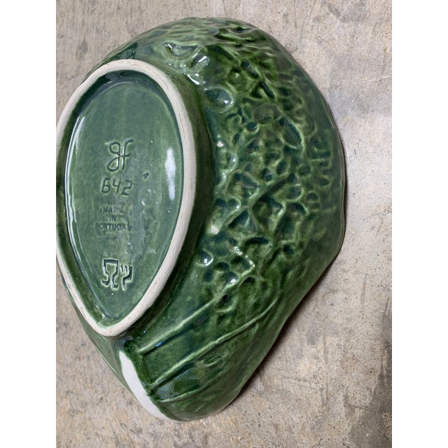 Beautiful cabbage style majolica green platter perfect for cheese and crackers, or fruit! Can also be used as a catch all...