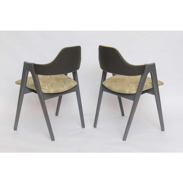 Scissor Design Vintage Sidechairs in Zigzag Fabric For Sale - Image 4 of 10