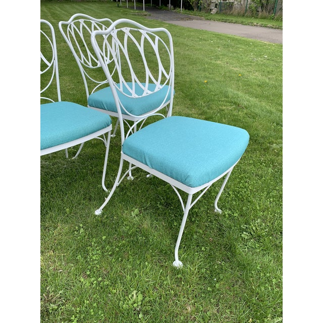 Mid-Century Modern Woodard Quality Iron Patio Dining Chairs With Turquoise Upholstered Seats - Set of 6 For Sale - Image 3 of 7