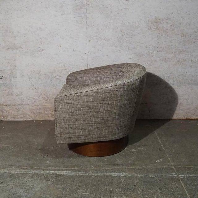 Mid-Century Modern Milo Baughman Swivel Chair For Sale - Image 3 of 7