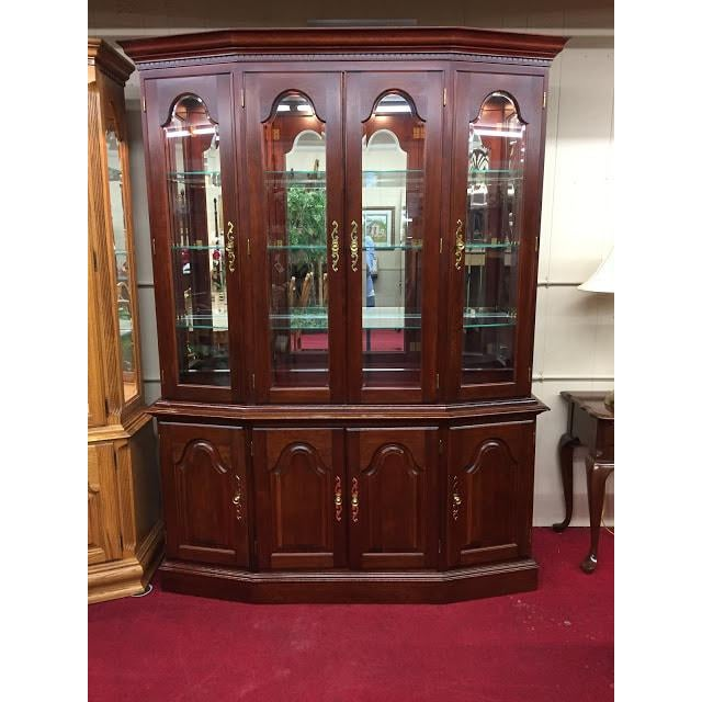 Brown Vintage Colonial Furniture Mirrored Back Lighted China Cabinet For Sale - Image 8 of 8