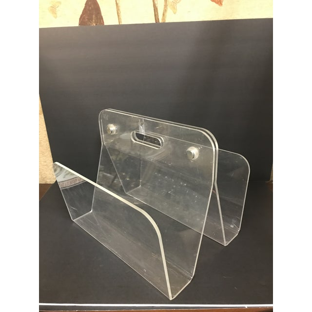 Mid-Century Modern 1960s Minimalist Lucite Magazine Holder For Sale - Image 3 of 9