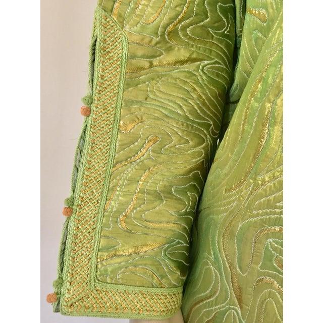 Islamic Moroccan Kaftan in Green and Gold Brocade Metallic Lame For Sale - Image 3 of 12