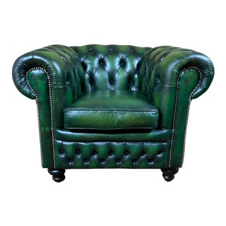Vintage Mid-Century English Green Leather Chesterfield Club Chair For Sale