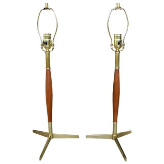 Mid-Century Modern Pair of Walnut and Brass Table Lamps by Gerald Thurston For Sale