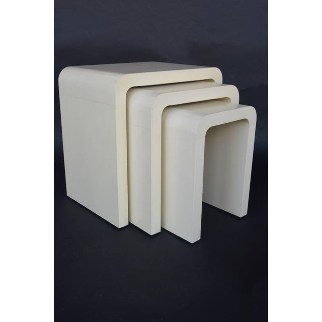 Mid-Century Modern 1960s Mid-Century Modern Creme Nesting Tables - Set of 3 For Sale - Image 3 of 4