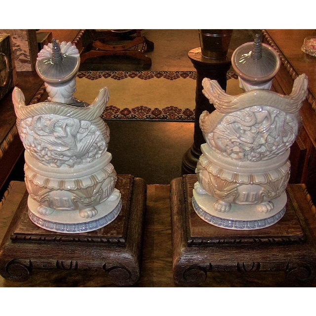 Lladro Retired Figurines of Chinese Nobleman and Noblewoman - Very Rare- A Pair For Sale - Image 9 of 12