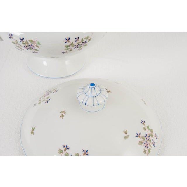 French Old Paris Porcelain 'Cornflower' Pattern Tureen For Sale In Baton Rouge - Image 6 of 8