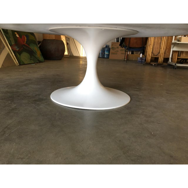 "Metal Round 42"" Tulip Coffee Table by Eero Saarinen for Knoll For Sale - Image 7 of 9"