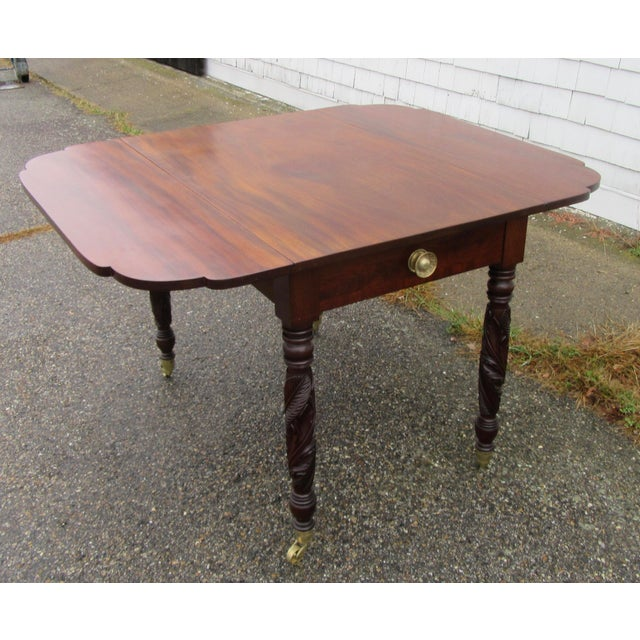 Antique Federal Dropleaf Solid Mahogany Table For Sale - Image 4 of 13