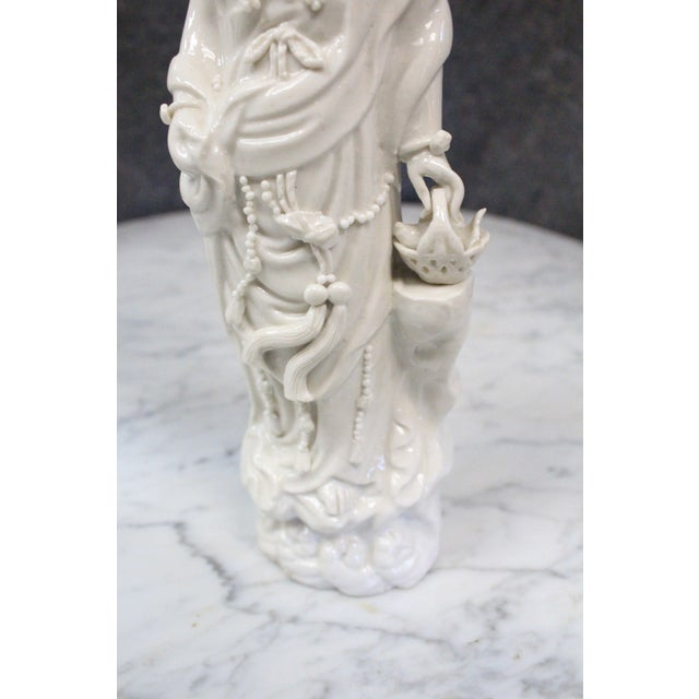 Vintage Chinese Porcelain Figurine For Sale - Image 4 of 5