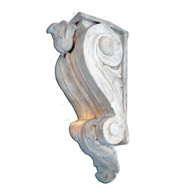 Mid 20th Century Vintage Scrolling Acanthus Empire Plaster Corbel Style Wall Bracket For Sale - Image 5 of 5